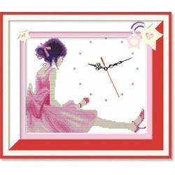 T20 - Tranh thêu chữ thập cô bé đáng yêu
