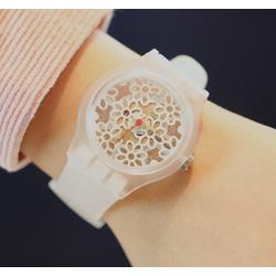 Đồng hồ hoa trong