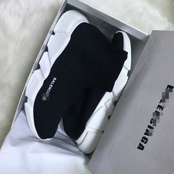 Giày sneaker mẫu mới nhất, đang hot, màu đen, nam nữ