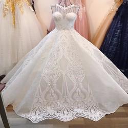 Áo cưới cao cấp, tùng nói xoè tự nhiên, vai lưới