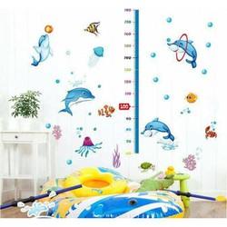 Decal dan tường có thước đo chiều cao cho bé yêu