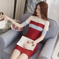 Đầm len sọc ngang tay cách điệu- Hàng quảng châu