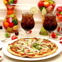 1 trong 4 loại pizza 25cm và 2 ly coca - Blue Diamond Hotel