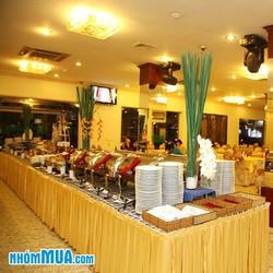 Thưởng thức tiệc buffet tối tại Khách sạn Victory