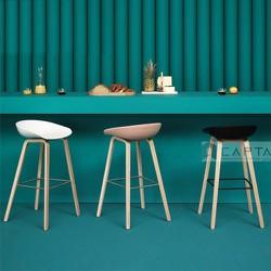 Ghế nhựa chân gỗ hiện đại dành cho quầy bar căn hộ, chung cư