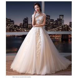 Áo cưới xoè croptop kiểu dáng bắt mắt