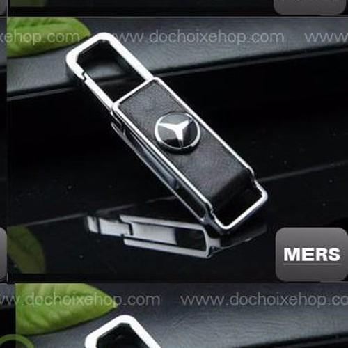 móc chìa khóa ô tô mercedes