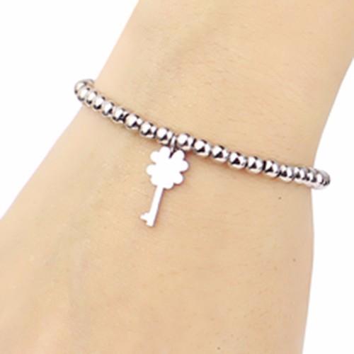 Vòng tay chuỗi bi Inox trắng hình Chìa khóa Cỏ bốn lá