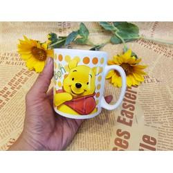 Ly sứ có quai in hình gấu Pooh