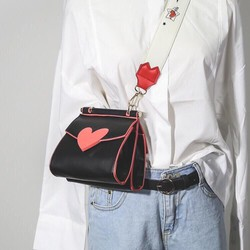 Túi hộp trái tim 2 màu hồng - đen dây đeo bản to cực hot