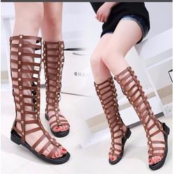 Giày sandals chiến binh