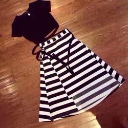 Set áo thắt dây + chân váy sọc