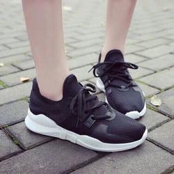 Giày thể thao mềm đẹp