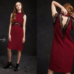 Đầm suông phối ren đen hở lưng cực thời trang