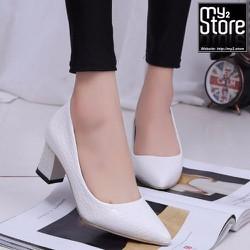 Giày cao gót phong cách phương đông, mũi nhọn gót vuông, màu trắng 01