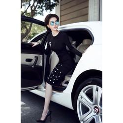 Đầm đen phong cách Ngọc Trinh