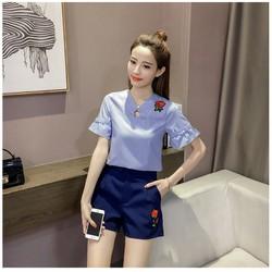 Set nguyên bộ áo sọc + quần short hoa hồng YKVJ440