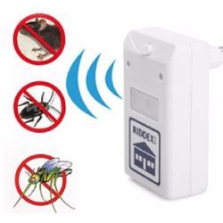Máy đuổi muỗi + chuột + côn trùng Riddex