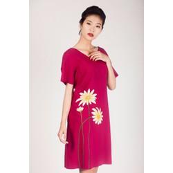 Đầm linen màu hồng vẽ tay thủ công 3 bông hoa cúc size XXL