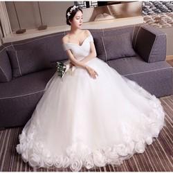 áo cưới công chúa, chân hoa 3D giá rẻ nhất