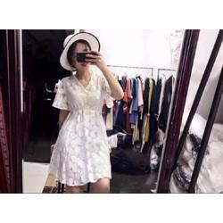 Đầm ren nữ thời trang, màu sắc hiện đại, kiểu dáng trẻ trung