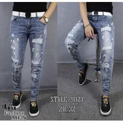Quần jeans rách nhiều