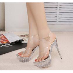 giày cao gót quai trong sang chảnh