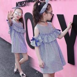 Đầm bé gái rớt vai đính nơ cực xinh