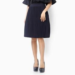 Chân váy dập li tròn xõa màu đen size L
