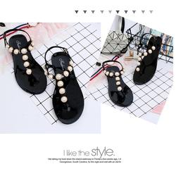 Giày sandan nhựa dẻo đính hạt trang trí