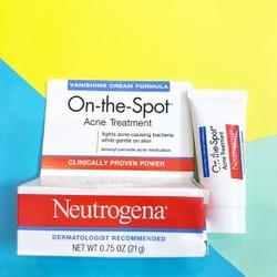 Kem trị mụn Neutrogena On-the-Spot Acne Treatment