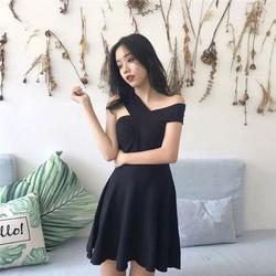 Đầm len bệt vai