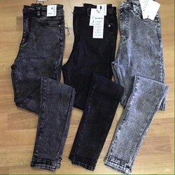 Quần jean form skinny