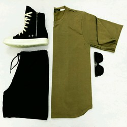 Combo áo tee và quần shorts