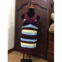 Đầm len body phối sọc