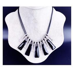 Vòng cổ thời trang phong cách hàn quốc  pha lê đen-DC15