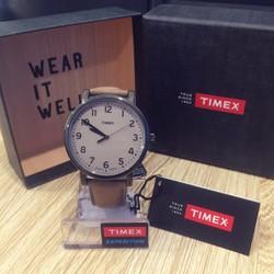 Đồng hồ Timex T2N957AA