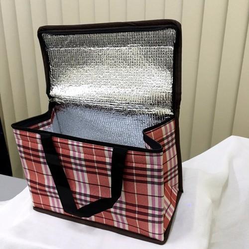 túi giữ nhiệt loại lớn hình hộp ngang, ngoài là vải dù 30x15x22cm