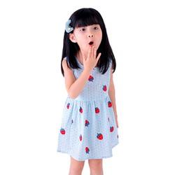Đầm xòe bé gái cổ tròn họa tiết dâu tây màu xanh dương số 100
