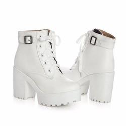 Giày boot nữ cổ ngắn màu trắng đế thô GBN16302