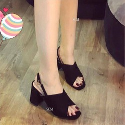Giày cao gót vuông