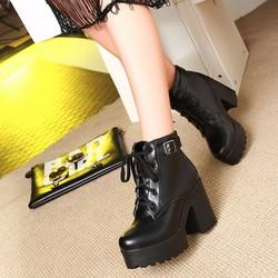 Giày boot nữ cổ ngắn màu đen đế thô GBN16301
