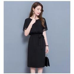 Đầm suông đen xẻ tà