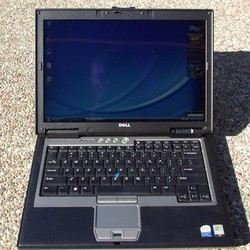 Dell latitude D830 2x2Ghz 15in Loa To Fim Nhac Game Văn phòng HSSV