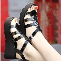 Giày nữ chiến binh