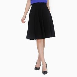 Chân váy xòe màu đen duyên dáng