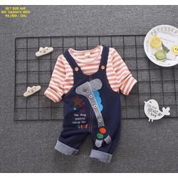 Set quần yếm hươu cao cổ kèm áo sọc  xinh cho bé