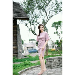 Đầm body eo thắt hoa hồng