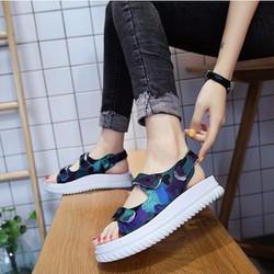 Giày sandal thời trang xu hướng mới