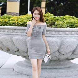 Đầm ôm trễ vai kẻ ô vuông thời trang Lâm Anh